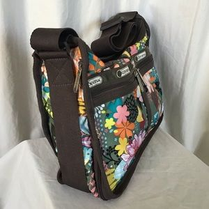 Lesportsac Bags - LeSport Sac Lilly Daisy Floral Crossbody Bag